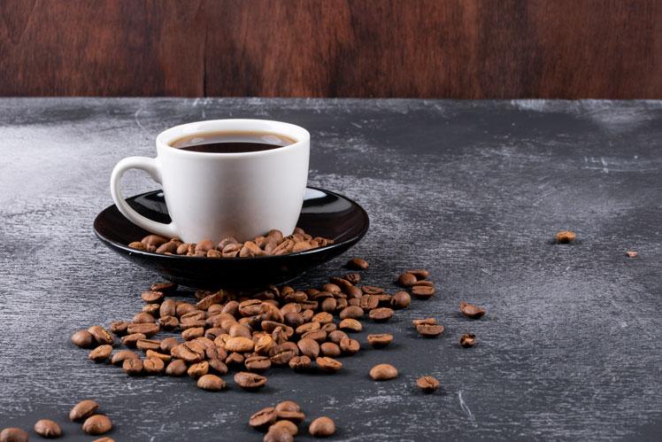 кофеин в чае больше чем в кофе